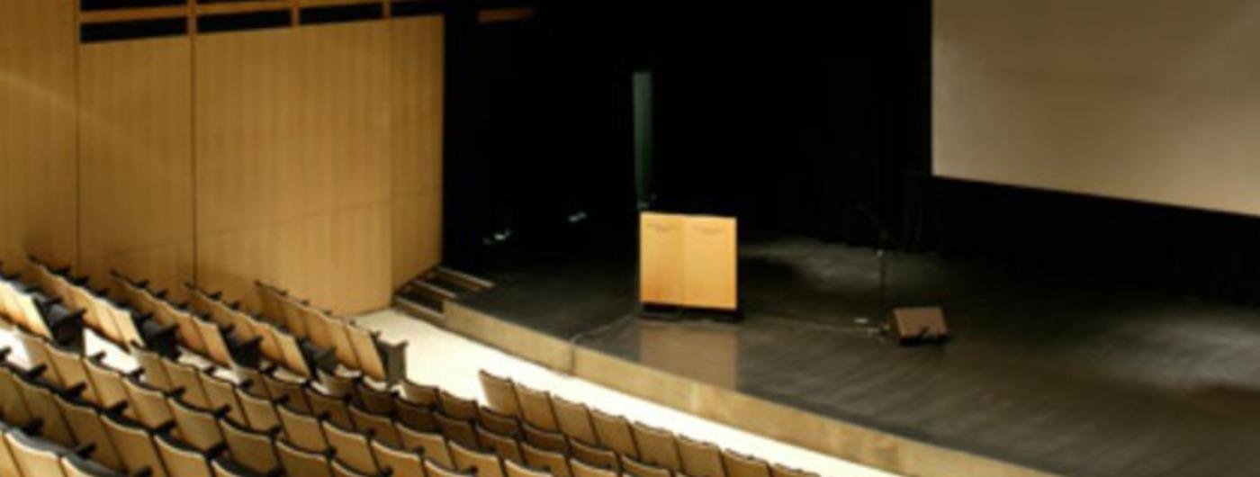 22 01 auditorium banq salle avec scene
